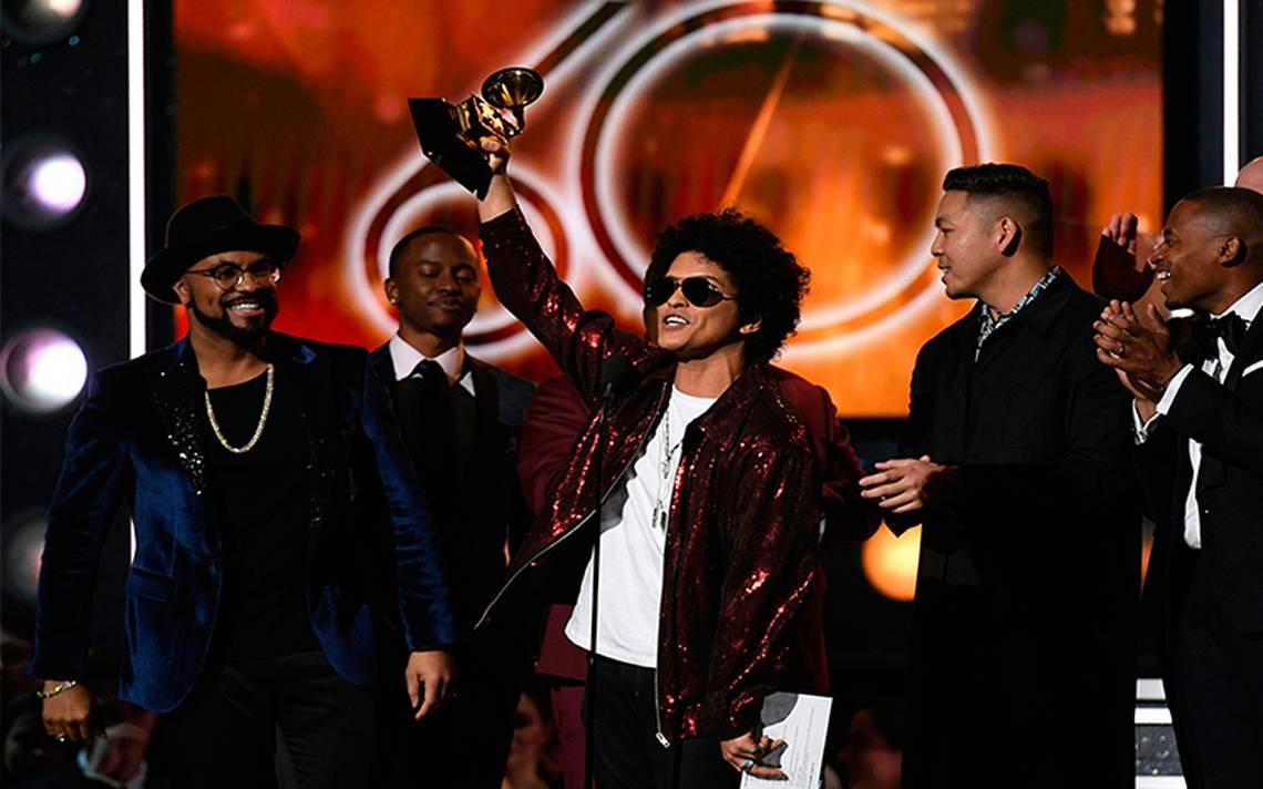 Bruno Mars triunfa en la edición número 60 de los Grammy