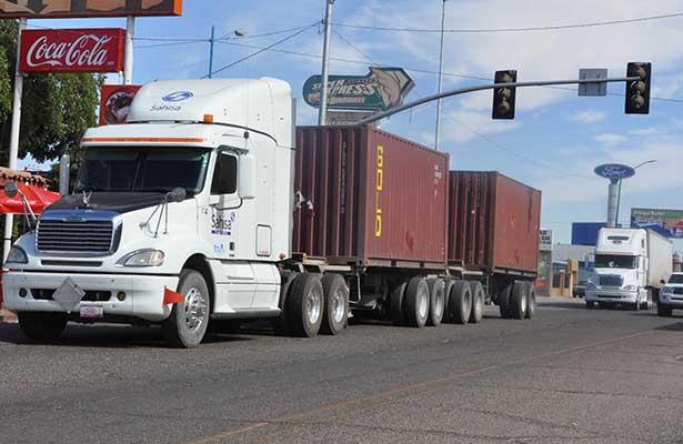 Denuncia Canacar aumento de atracos a camiones de carga