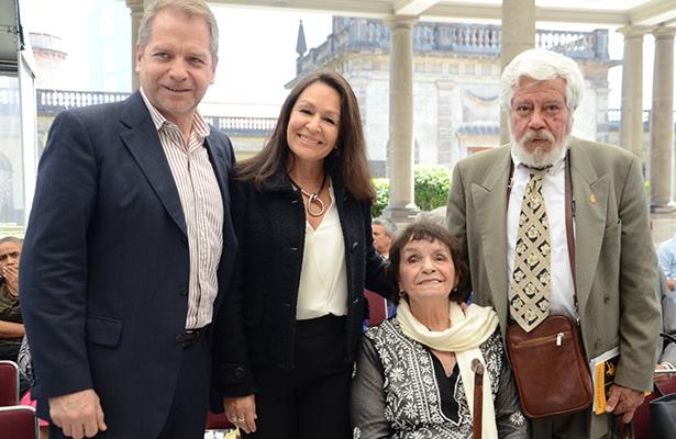 La doctora Alicia Reyes Mota recibió un homenaje de despedida en el Castillo de Chapultepec