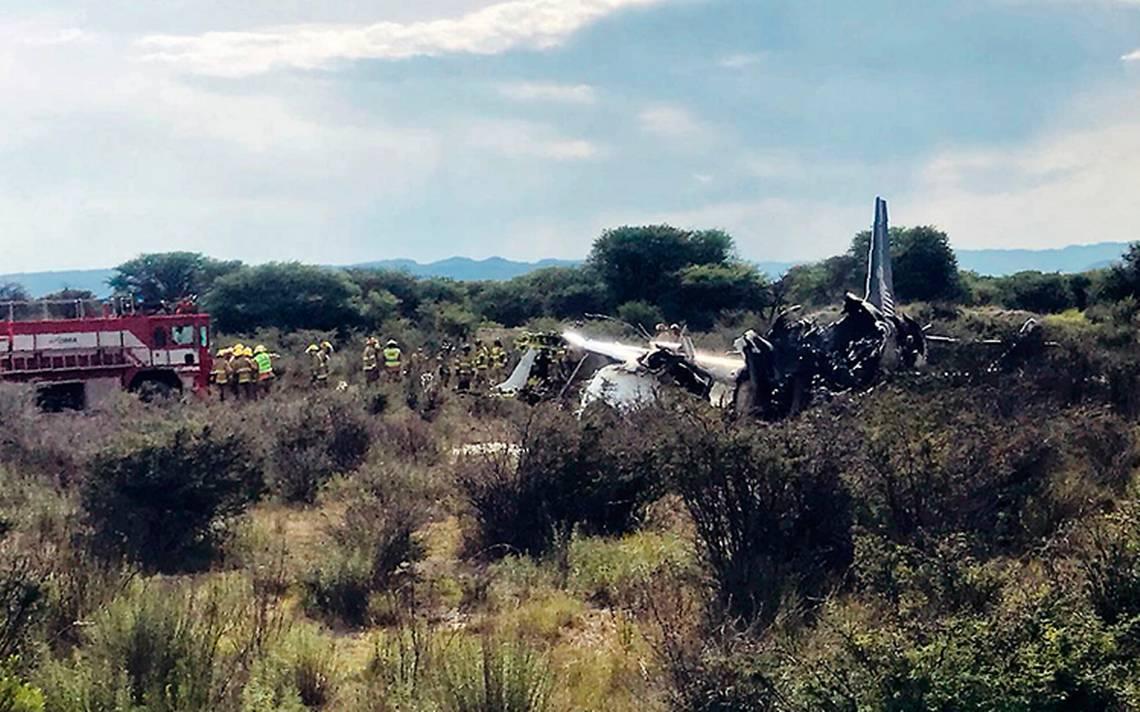 Realizan remoción de restos de avión de Aeroméxico para peritaje