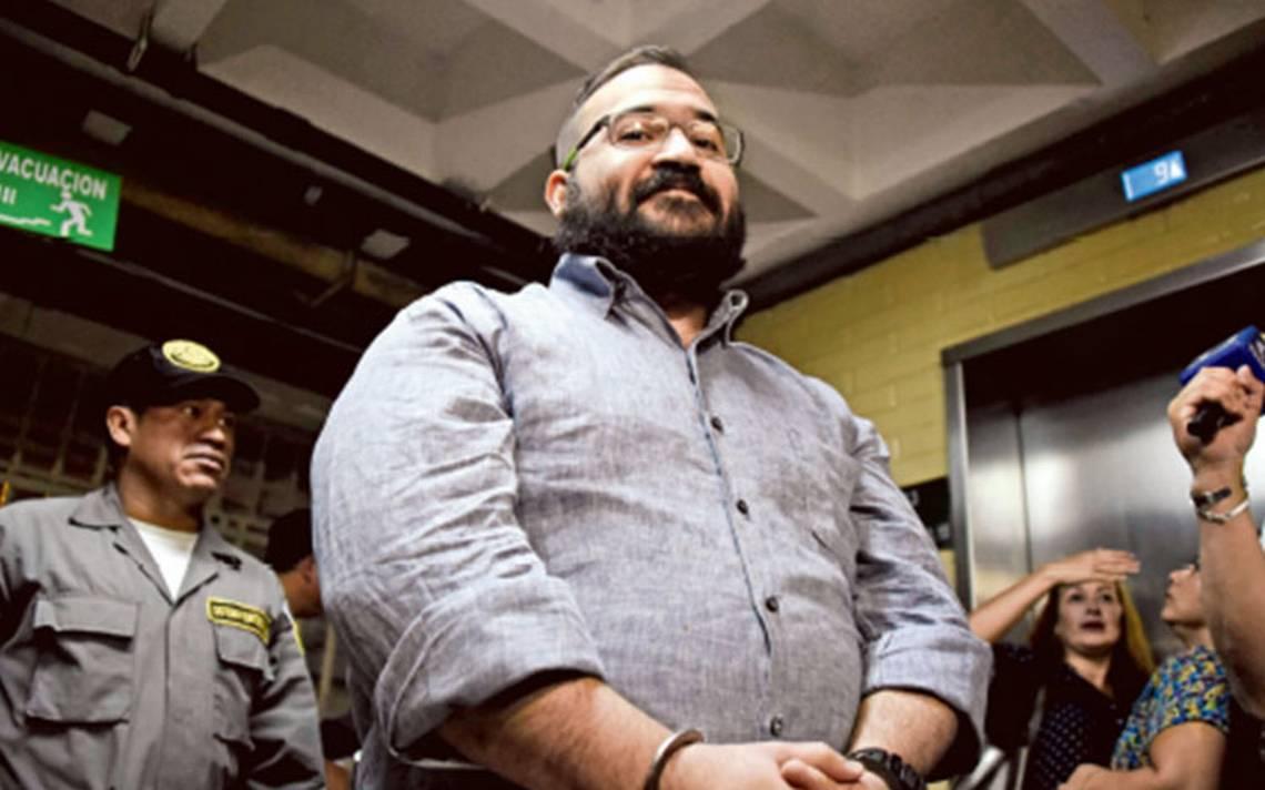 Javier Duarte pediría reducción de su condena al 50%, afirma abogado