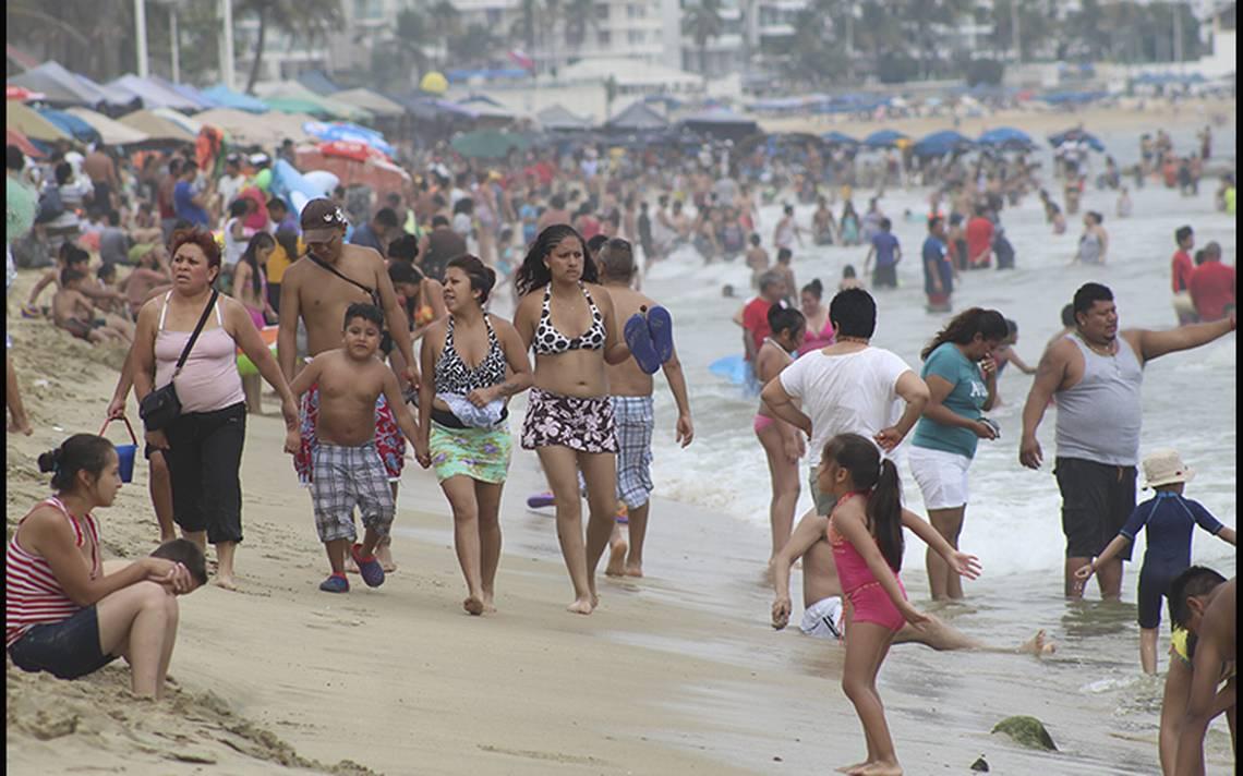 Aumenta 43% costo para viajar en auto a Acapulco y otros destinos por gasolinazo