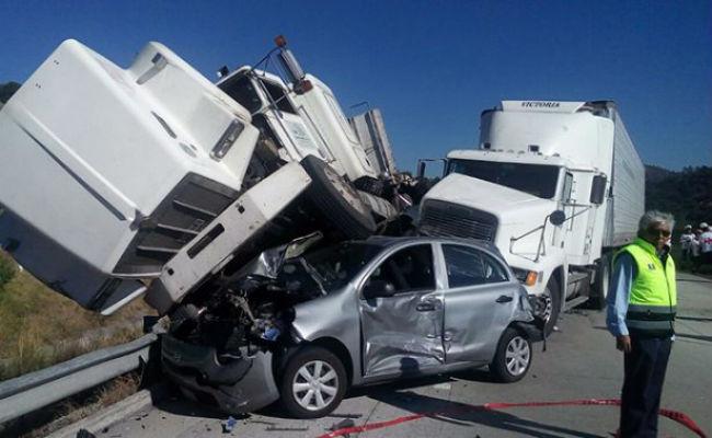 Alza en accidentes carreteros antes de Navidad; van 14 muertos