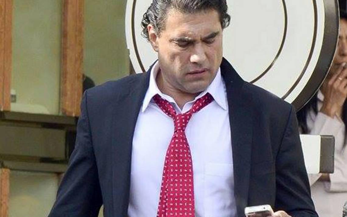 ¿Eduardo Yáñez se molesta de nuevo con la prensa?