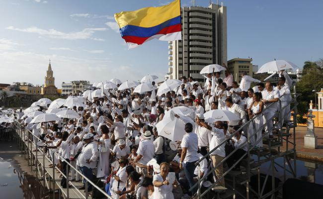Santos habla con Trump: le pide apoyo para proceso de paz en Colombia