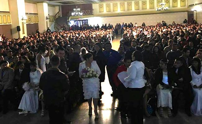 Casan a más de 3 mil parejas en Nuevo León