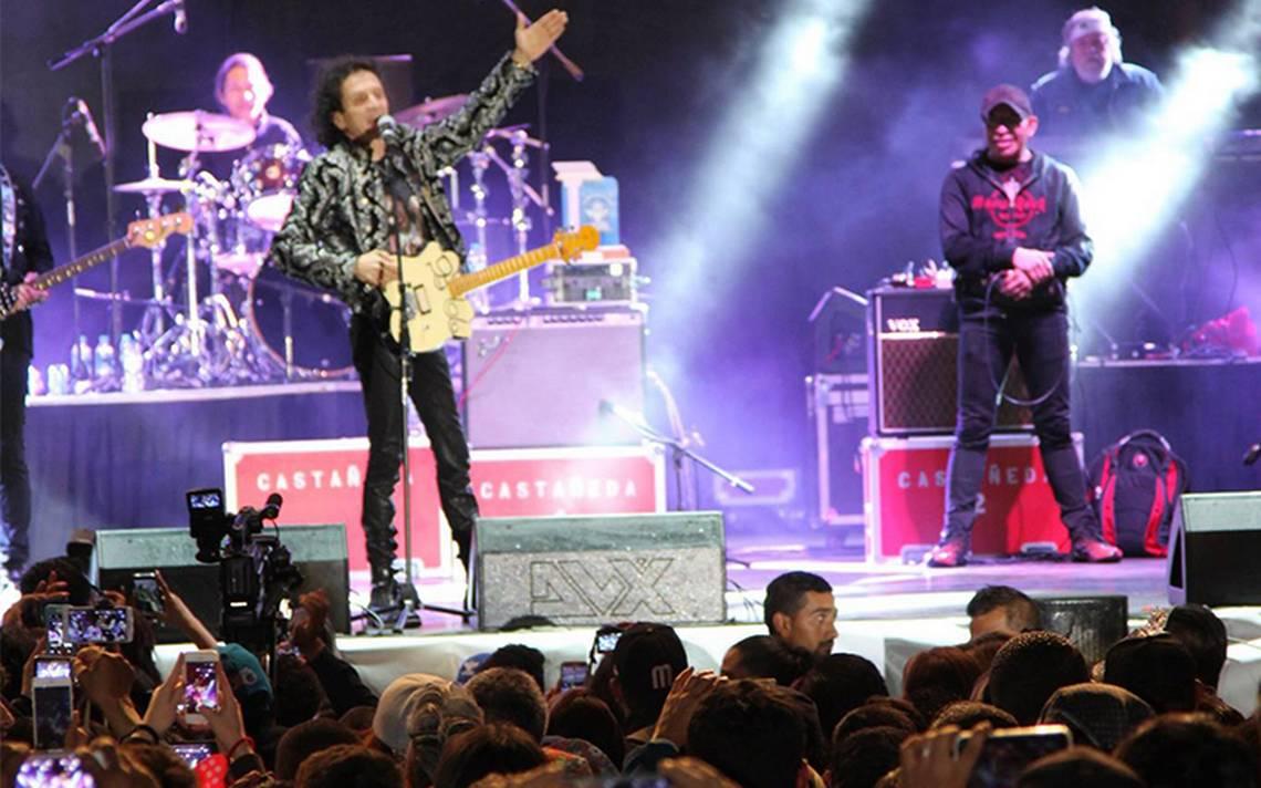 [Video] Alex Lora corre a jóvenes de su concierto ¡a punta de groserías!