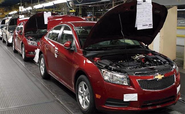 Comercio automotriz mantiene objetivo de crecimiento anual en el país