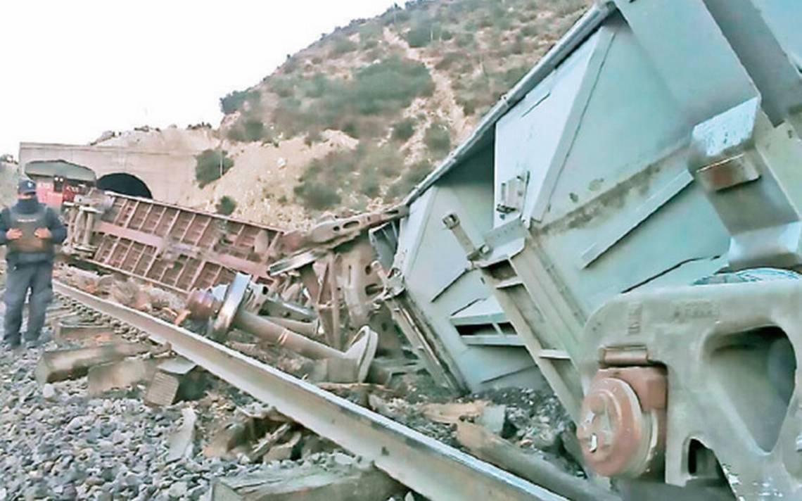 Sigue ola de asaltos y descarrilan tren de Ferrosur que se dirigía a Veracruz