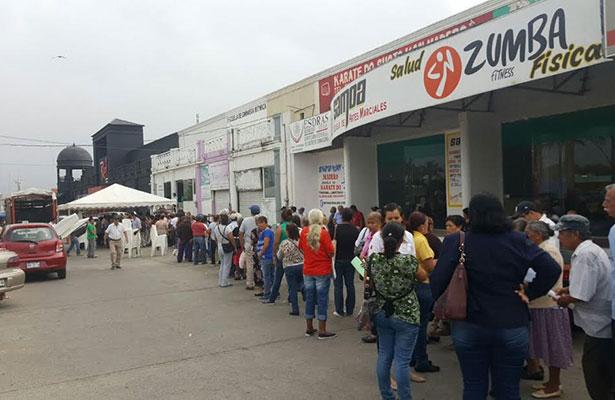 Abuelitos sufren para recibir apoyos en Tampico y Madero