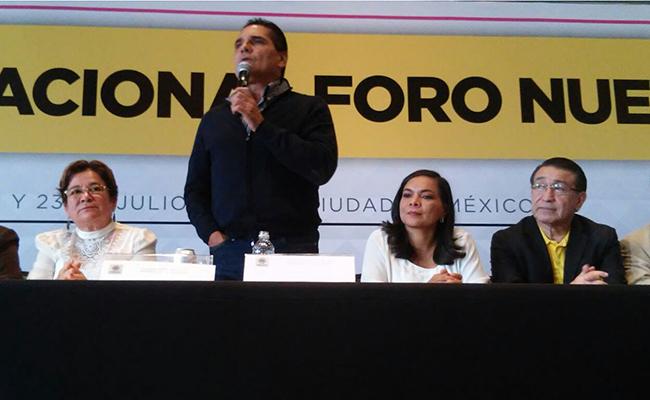 Silvano Aureoles busca encabezar el Frente Amplio Democrático hacia 2018