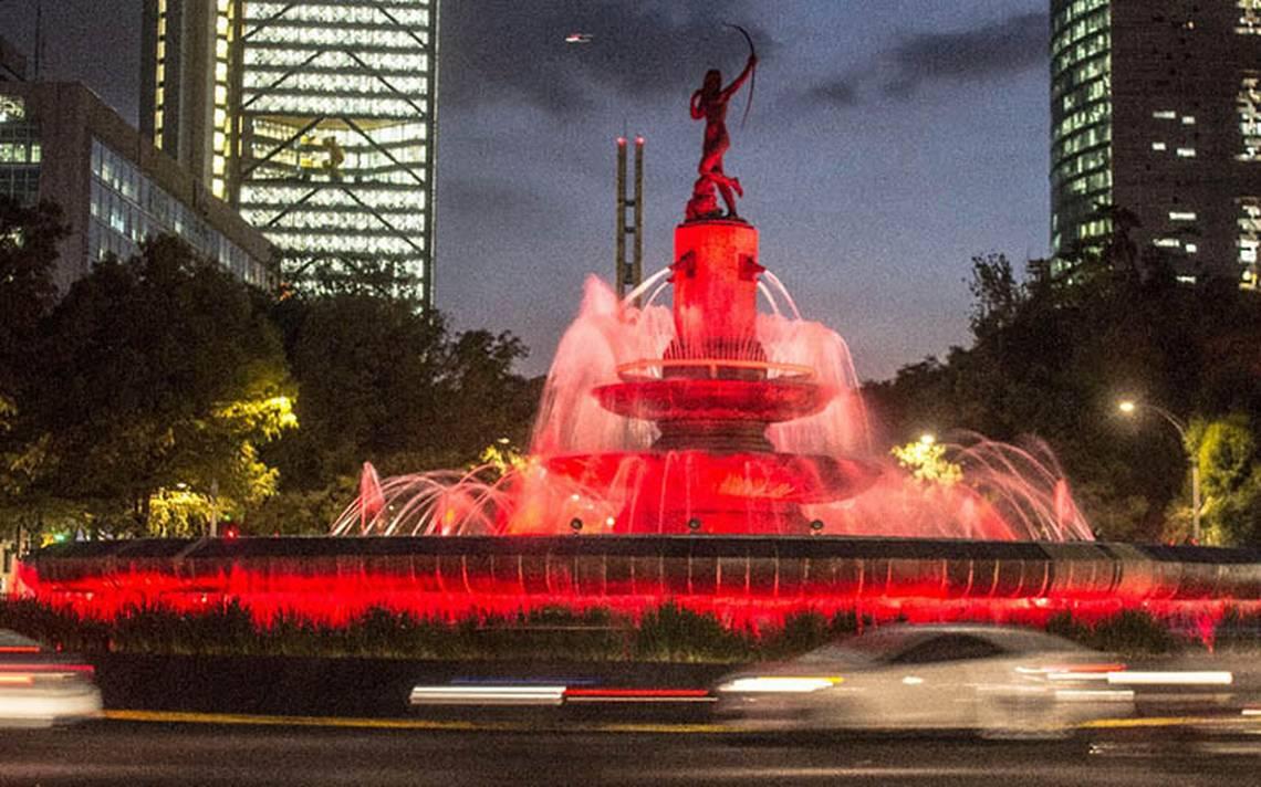 Ciudad de México se viste de rojo por Día Mundial de Lucha contra SIDA