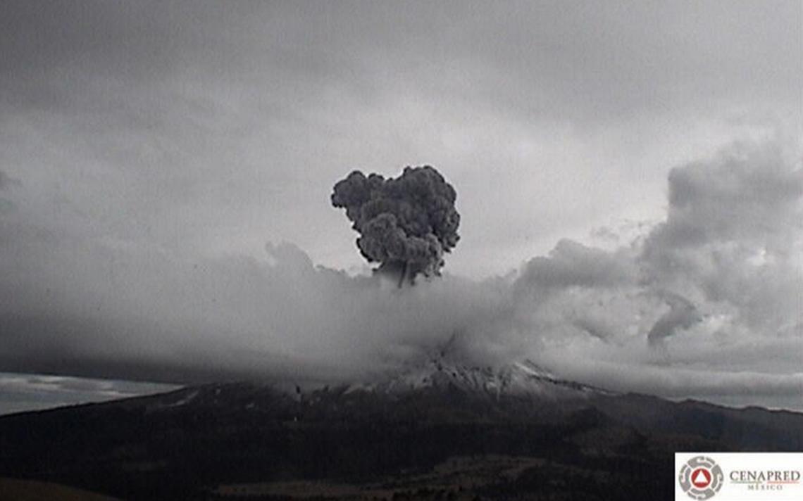 Fuerte explosión del Popocatépetl pone en alerta a Puebla