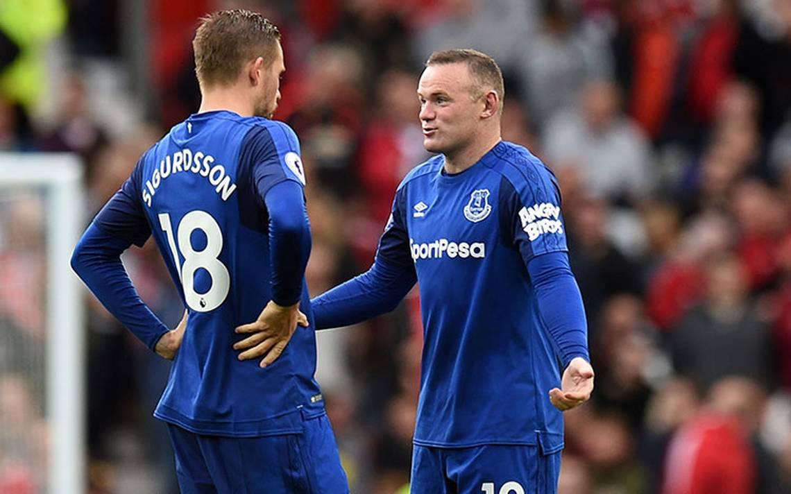 Condenan a Rooney por conducir borracho; pide perdón a la afición