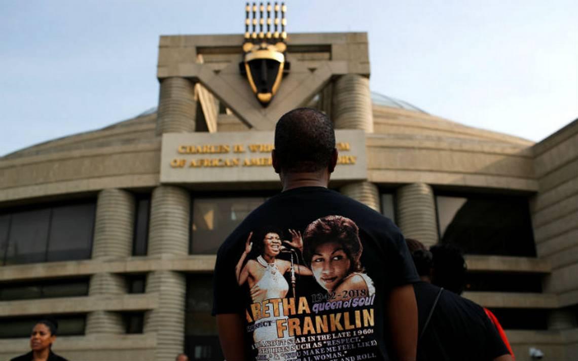 Inicia funeral de cuatro días de Aretha Franklin; fans ya hacen largas filas