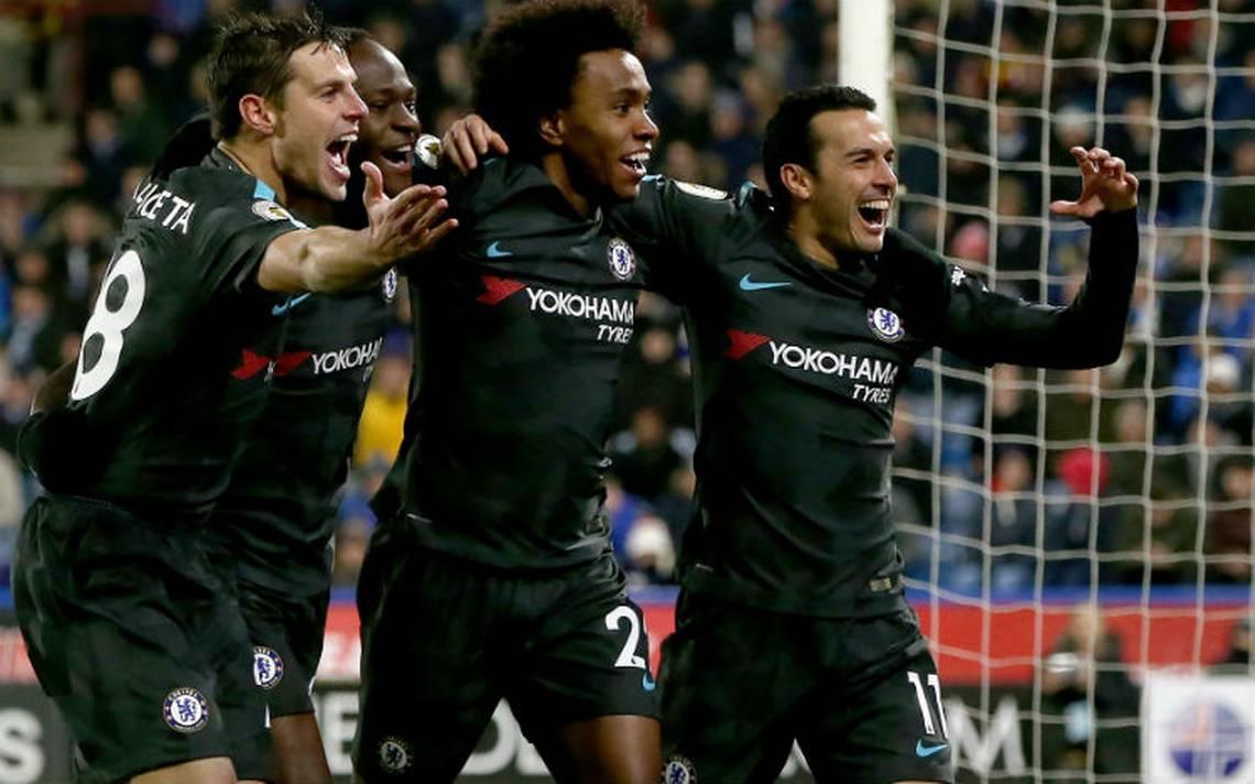 Chelsea respira tras vencer al Huddersfield en liga Premier