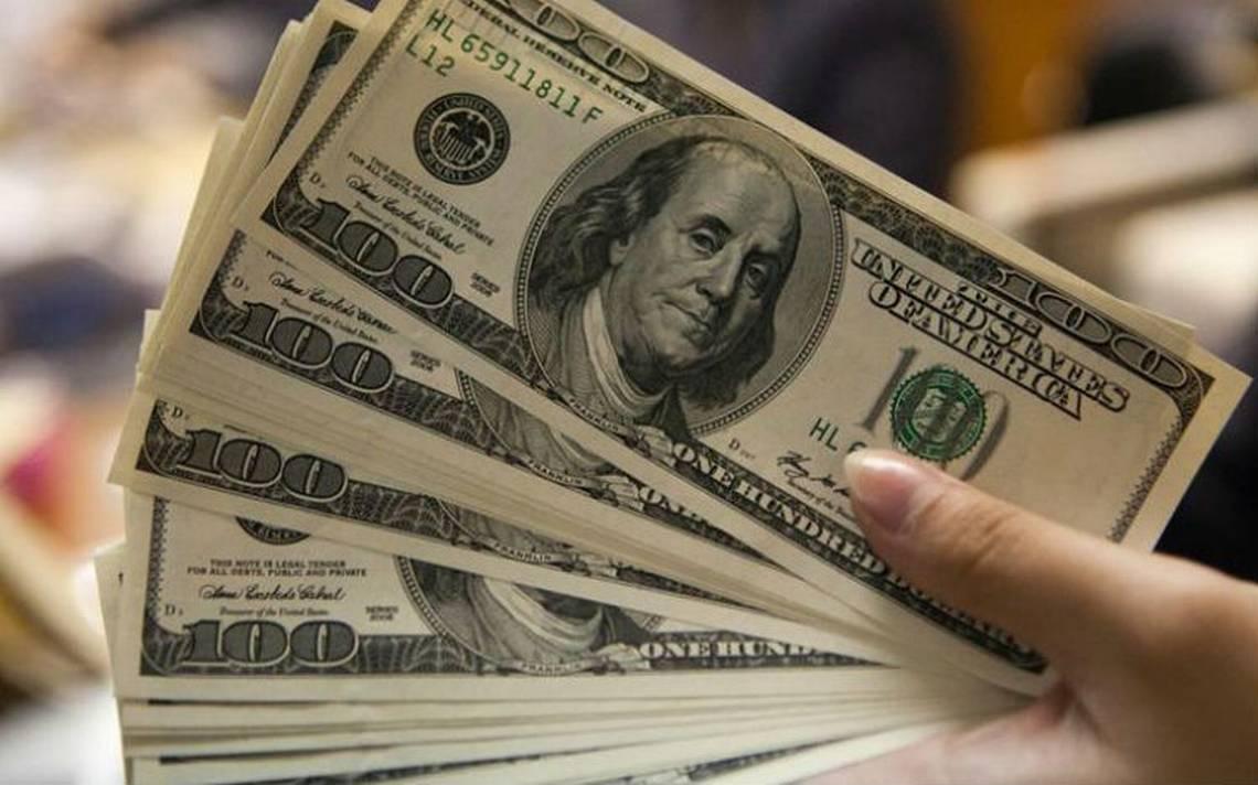 Promedia dA?lar en 18.77 pesos a la venta en el aeropuerto capitalino