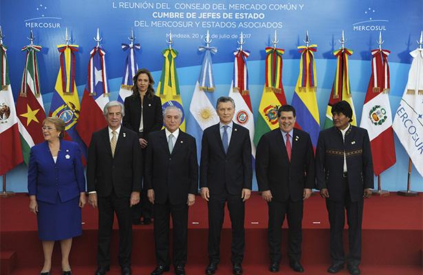 Mercosur llama a Venezuela a restablecer el orden institucional