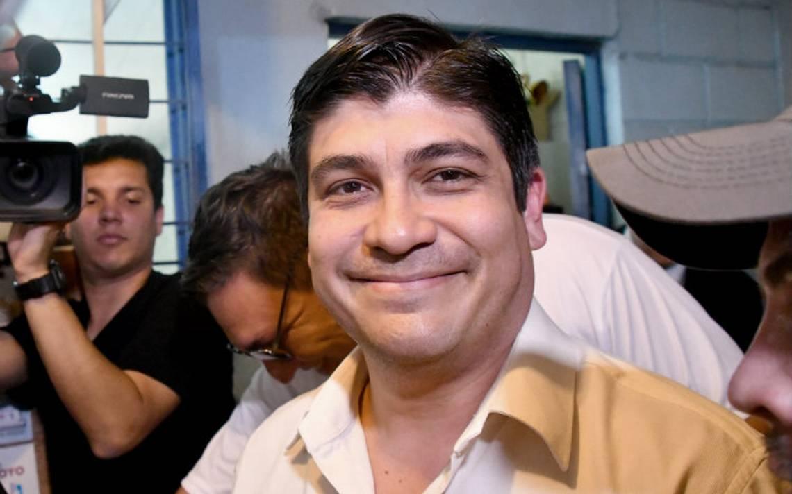 Carlos Alvarado gana las elecciones en Costa Rica