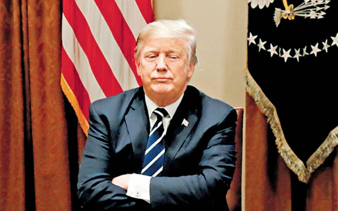 Relación con Rusia le estalla a Trump; escándalo lo obliga a retractarse