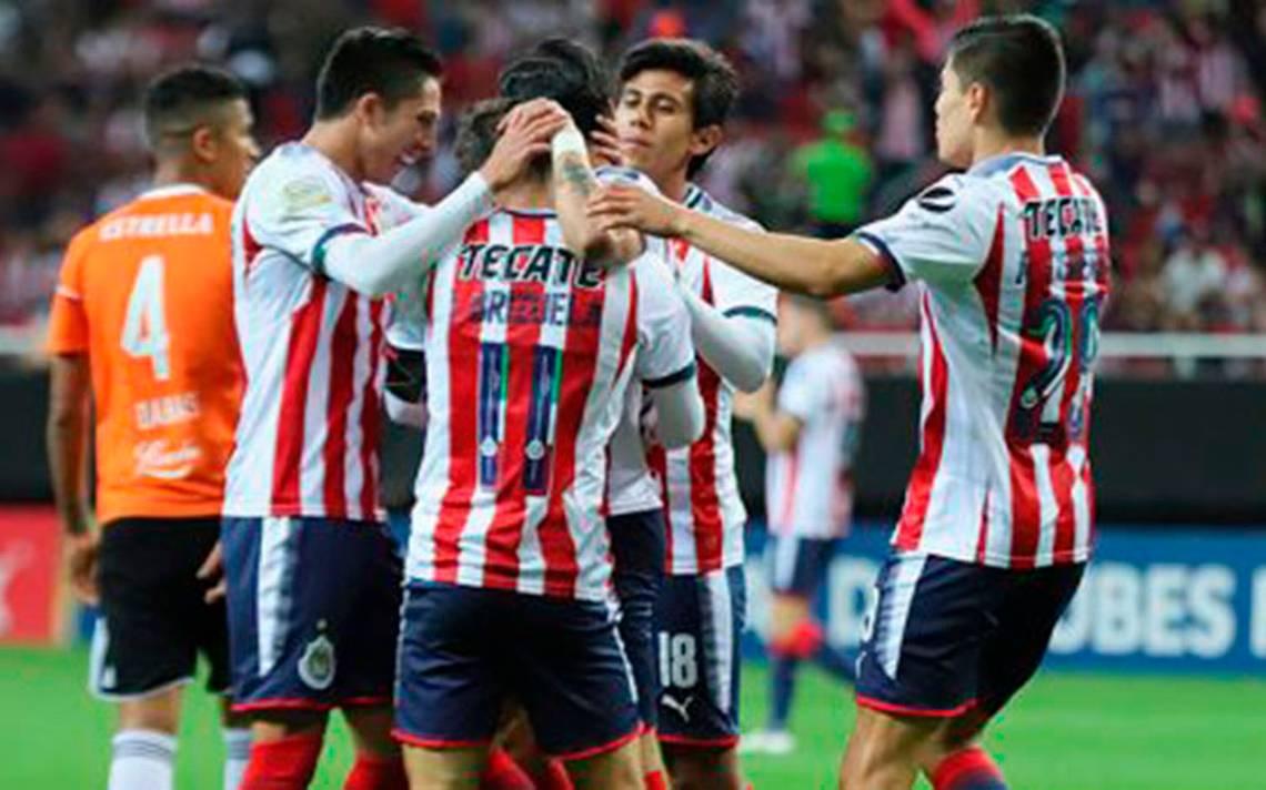Chivas recupera la confianza y golea a un débil Cibao FC