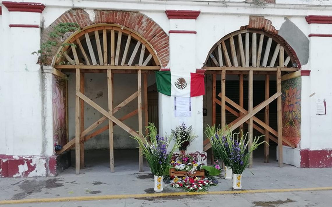 Rinden honores a las víctimas del sismo del 7 de septiembre en Juchitán