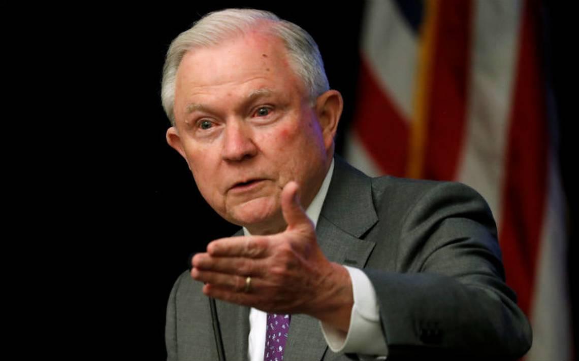 Jeff Sessions expresa sus condolencias a PGR por muerte de dos agentes