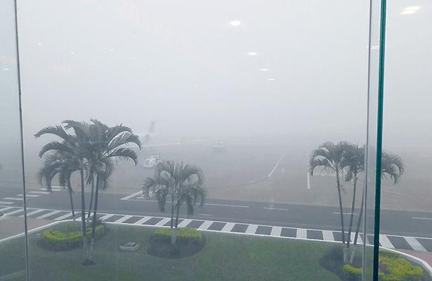 Niebla retrasa vuelos en aeropuerto de Tampico
