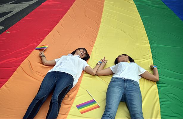 Parejas homosexuales deben tener derecho a seguridad social: SCJN