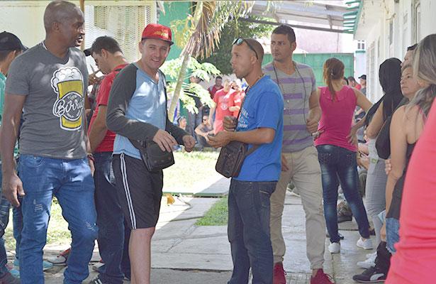"""Cubanos desean el """"sueño mexicano"""""""