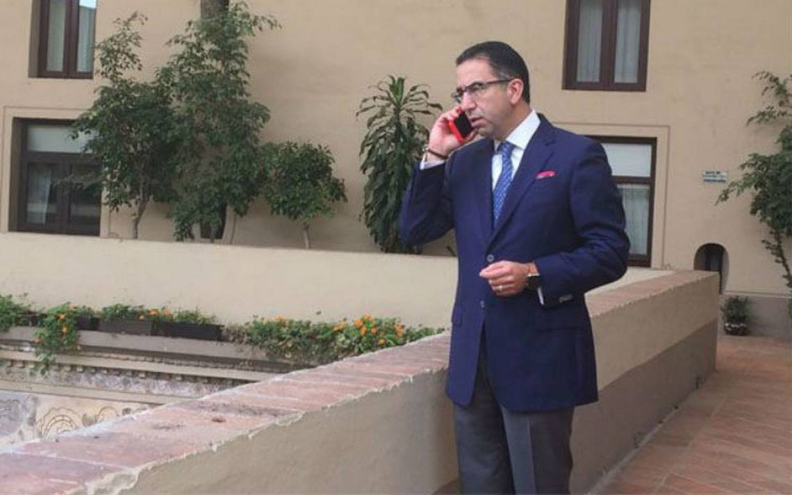 """Reconoce Javier Lozano que sostuvo encuentros con """"El Cachetes"""""""