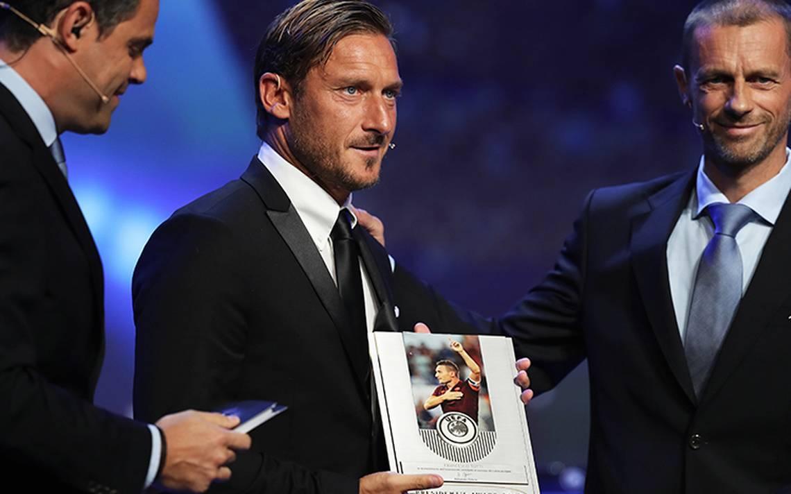 ¡Enhorabuena! Reconocen a Francesco Totti con el premio Presidente de la UEFA