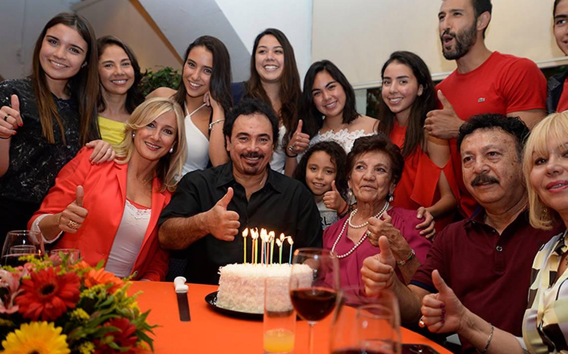 """El """"pentapichichi"""" Hugo Sánchez celebra  60 años de vida"""