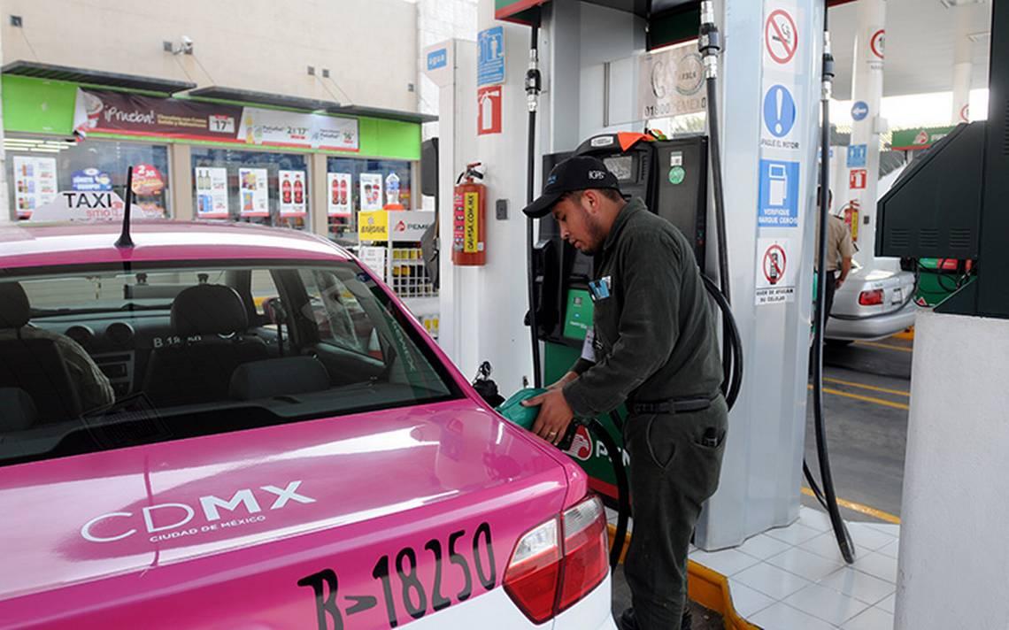 Golpe al bolsillo: gasolina Premium llega a los 20 pesos