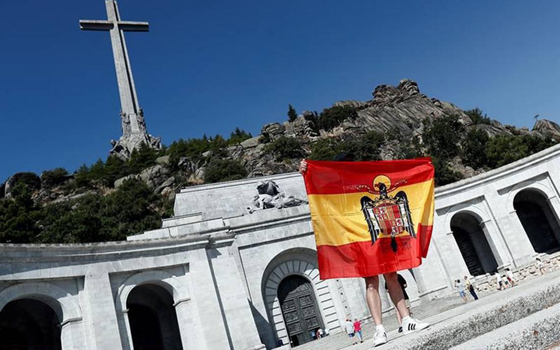 España aprueba decreto para exhumar a Francisco Franco de su mausoleo