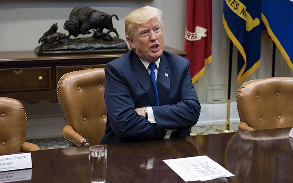 Un juez levanta parcialmente prohibición de entrada de refugiados de Trump