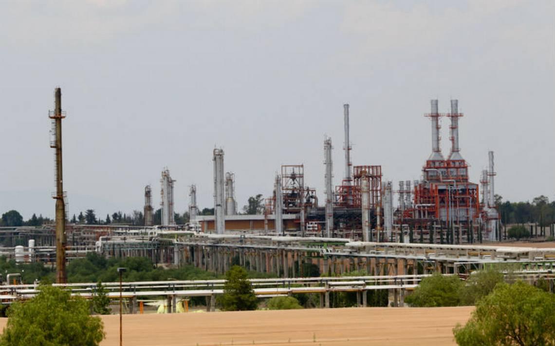 """Van 38 mil mdp para """"rehabilitar"""" seis refinerías de Pemex, anuncia Nahle"""