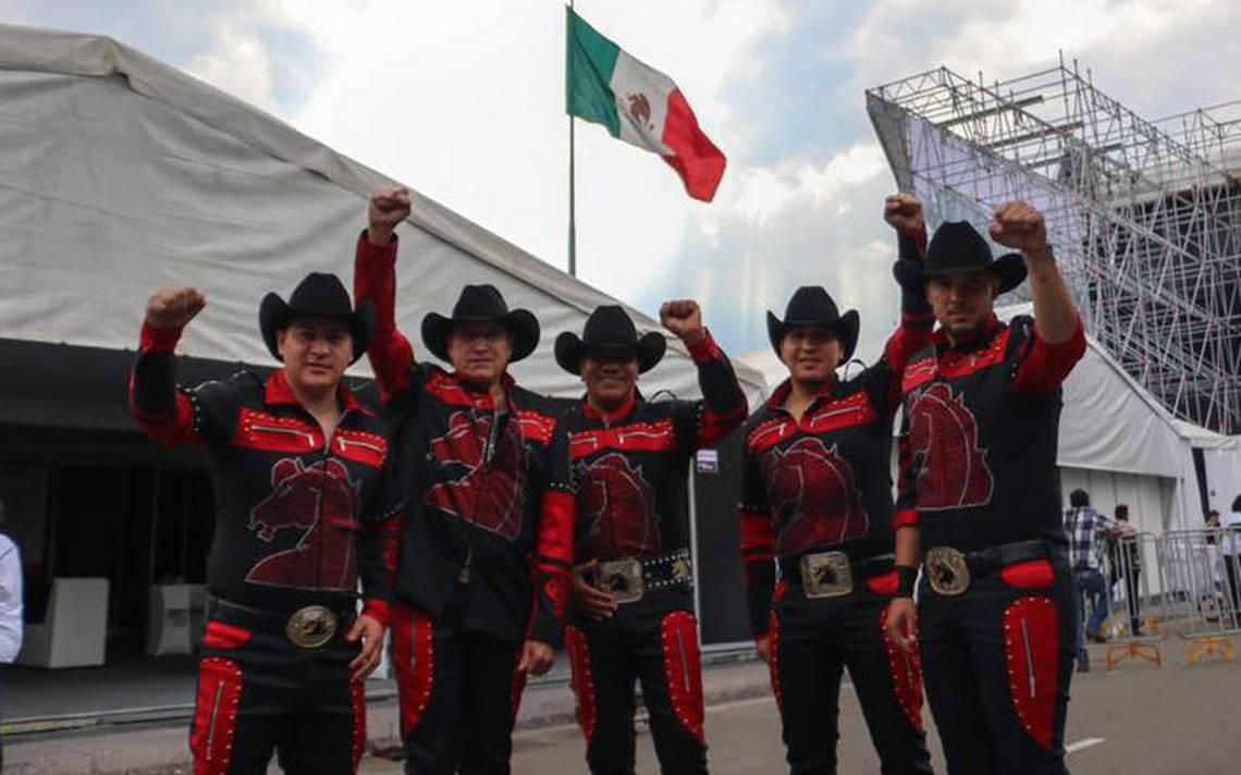 Bronco consiente a fans; abre segunda fecha en el Coloso de Reforma