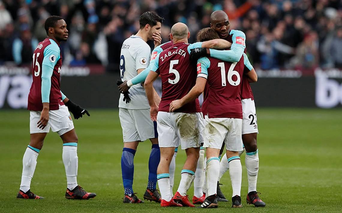Sin Chicharito, West Ham da la sorpresa y vence al Chelsea