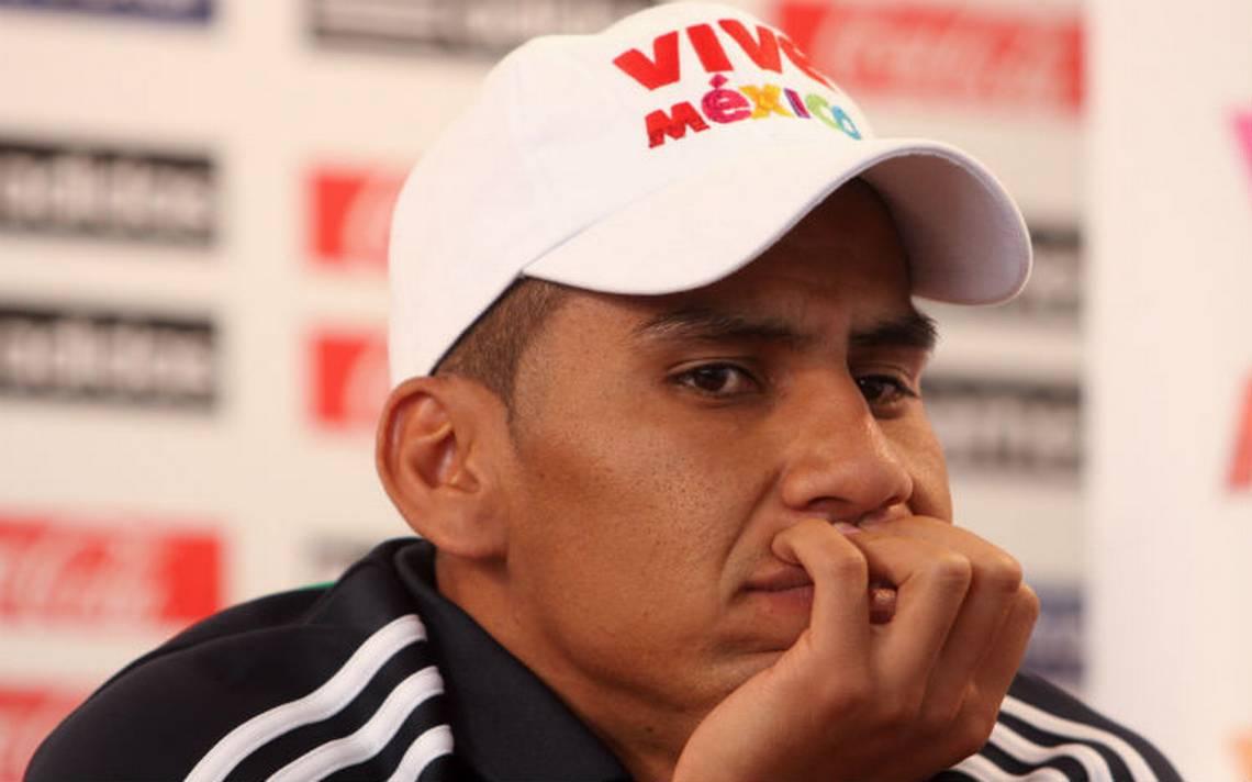 Carlos Salcido abandona concentración de Chivas