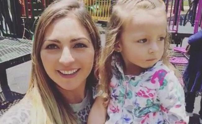 Mariana Ochoa se convierte en videoblogger y da tips como mamá