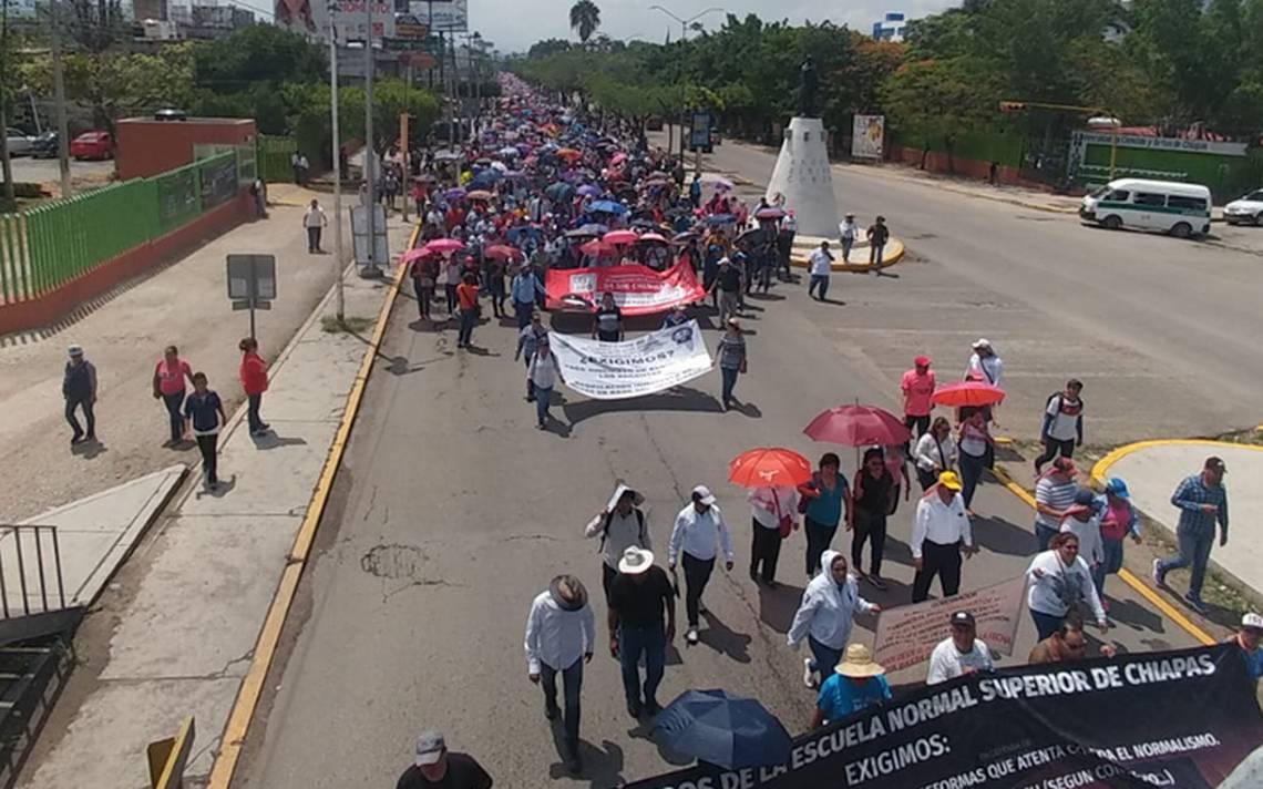 Con marcha estalla paro de la CNTE en Chiapas; 20 mil escuelas sin actividades