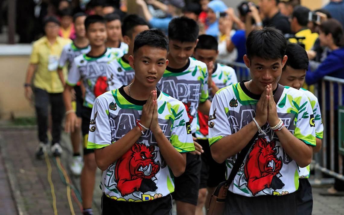 Cuatro niños rescatados de la cueva en Tailandia obtienen la nacionalidad