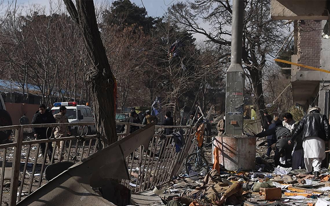 Reportan casi 100 muertos en atentado con coche bomba en Kabul