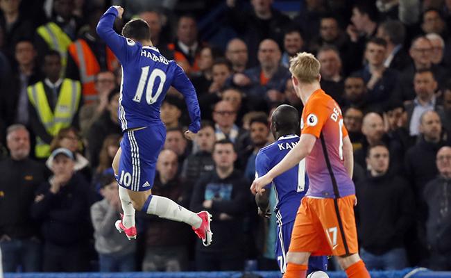 Chelsea le gana al Manchester City y se acerca al título