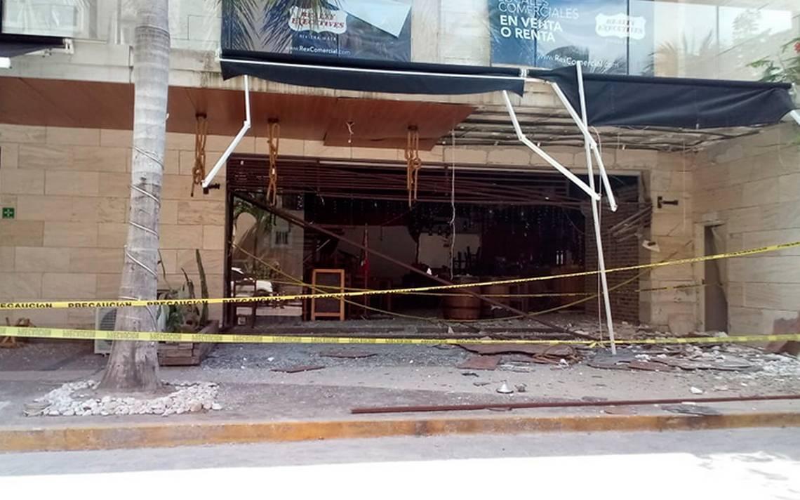 """Incendian bar en Playa del Carmen presuntamente """"por no pagar derecho de piso"""""""