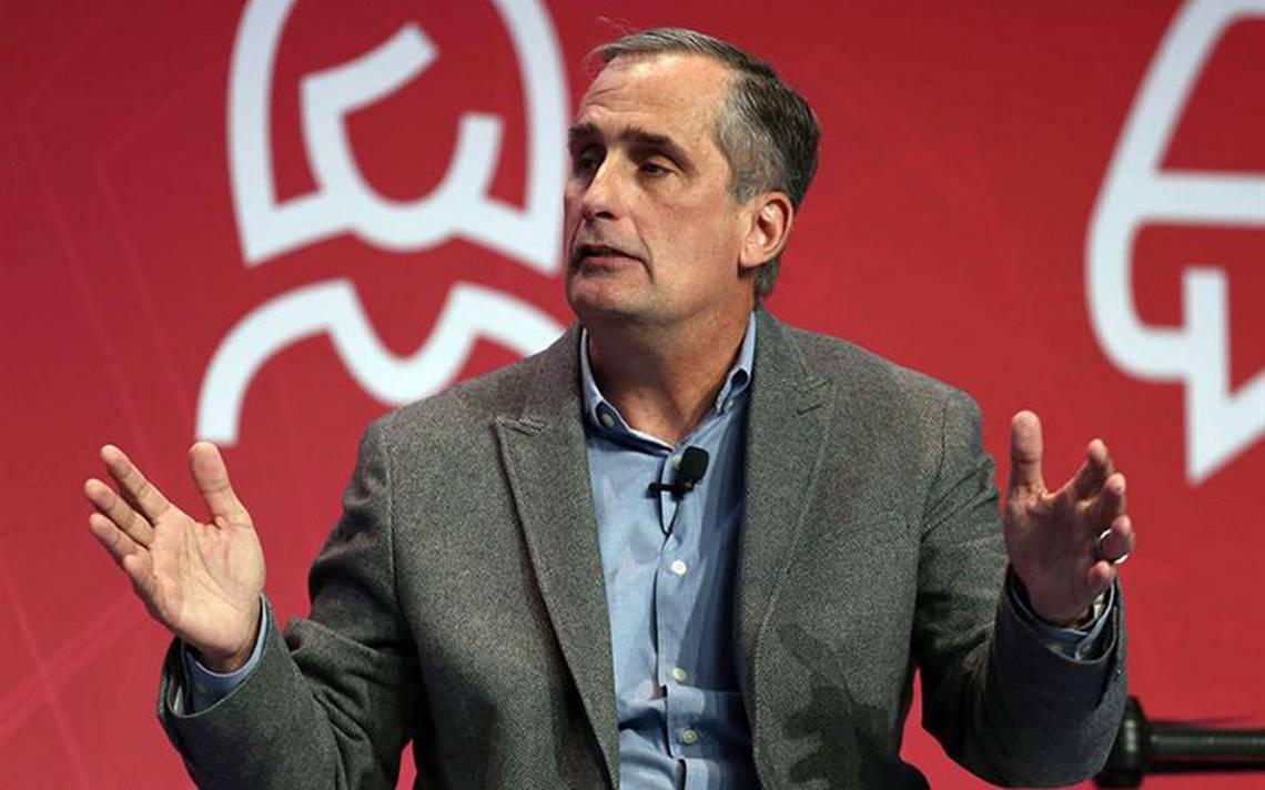 Por una relación amorosa con colega, renuncia CEO de Intel