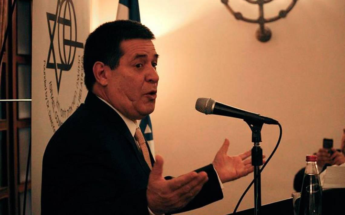 Horacio Cartes renuncia como presidente de Paraguay