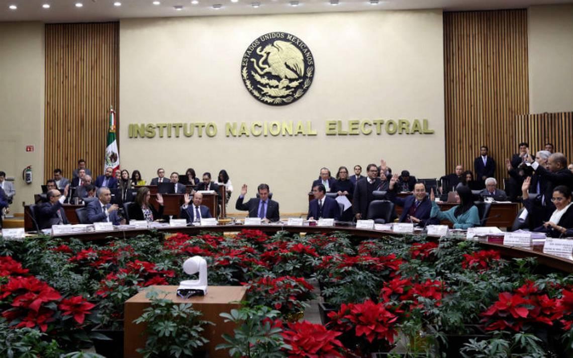 Por unanimidad, INE aprueba coalición 'Por México al Frente' del PAN y PRD