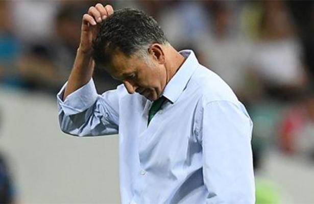 Juan Carlos Osorio suspendido seis partidos y multado con 5 mil 180 dólares